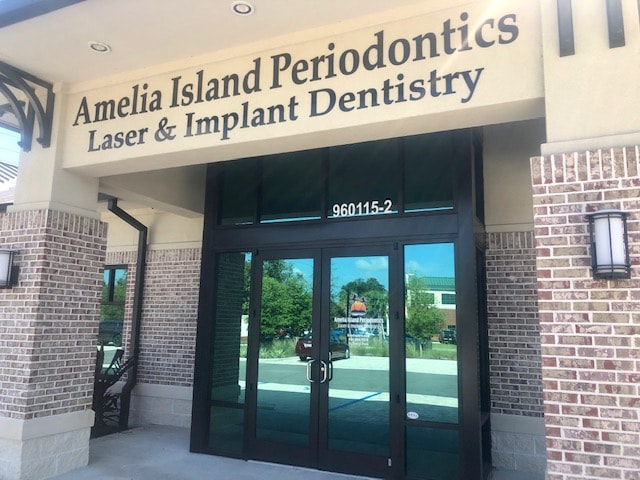 The building entrance of Amelia Island Periodontics & Implant Dentistry